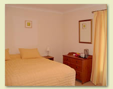 Comfortable Double room with super kingsize bed